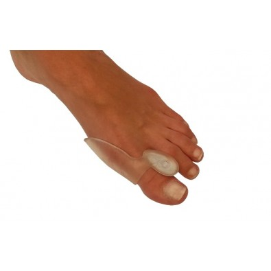 BUNION PROTECTOR WITH REEL-SHAPED GEL TOE SPREADER